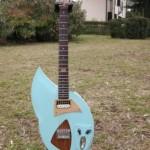 """prototipo '50 style, corpo in Mogano, manico in Acero, tastiera in Palissandro indiano. Scala 25"""", colore Daphne Blue, segnatasti in abalone e legno."""